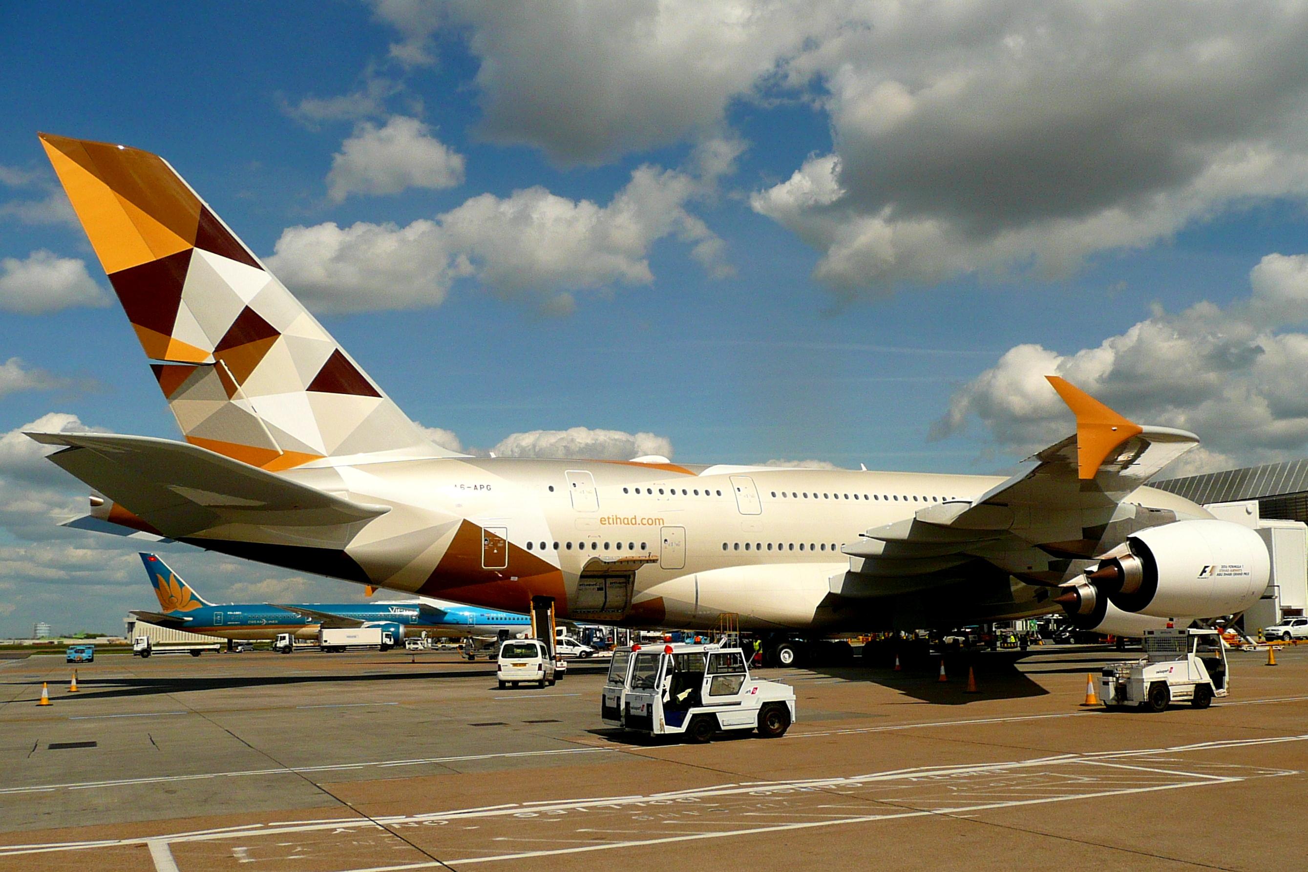 Etihad_Airways,_Airbus_A380